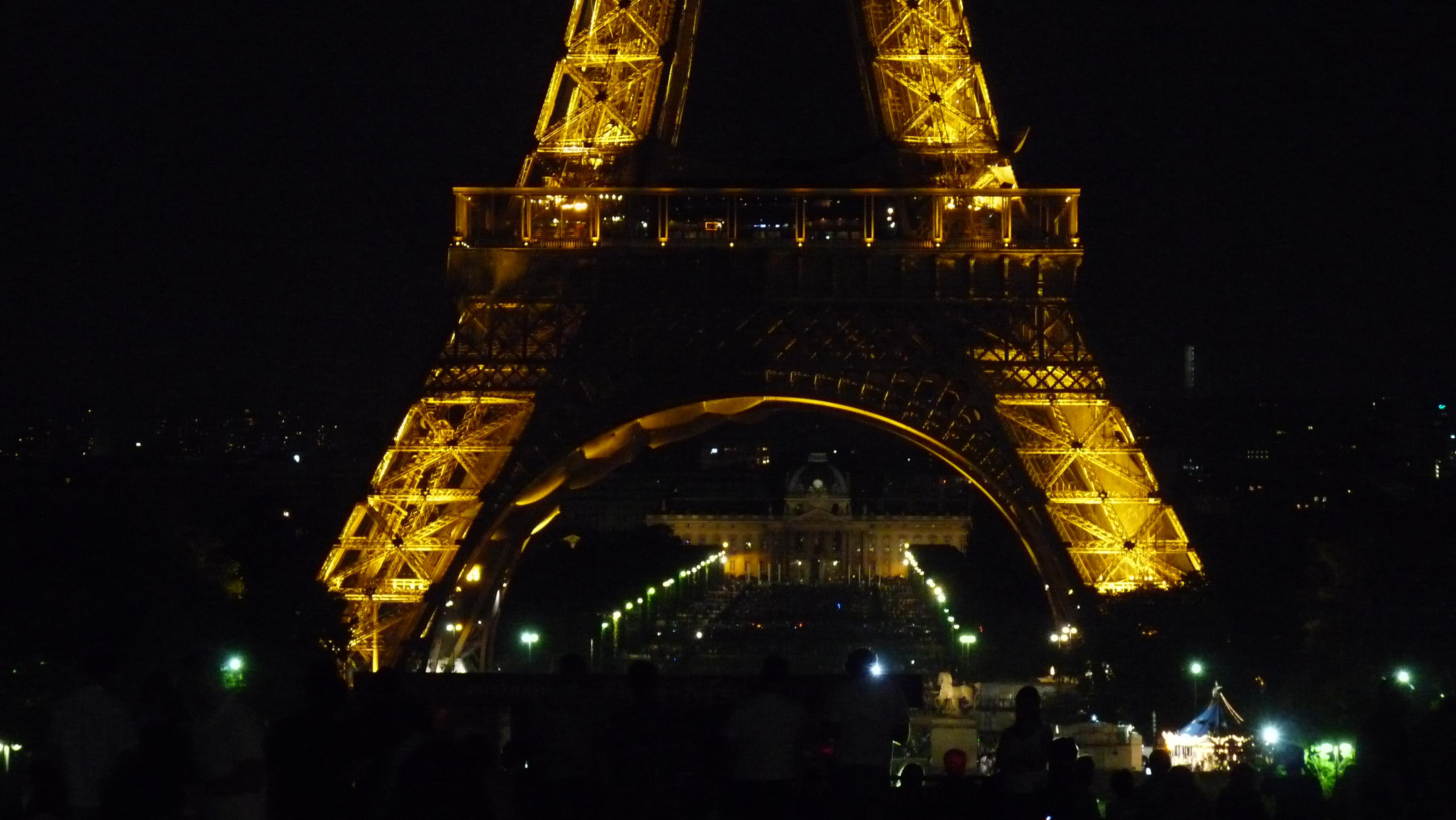 [2010-06-05] La Tour Eiffel «by night»